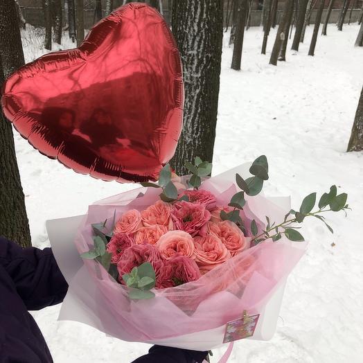 Любовь (букет + шарик): букеты цветов на заказ Flowwow