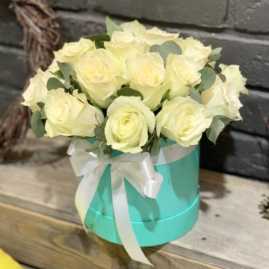 Шляпная коробка «Мята и снег»: букеты цветов на заказ Flowwow