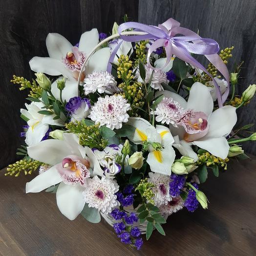 Корзина Сборная из орхидеи и хризантемы