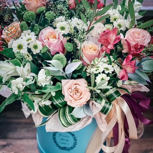 Шикарная коробка с цветами