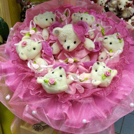 """Букет из игрушек """" Мишки в малиновых платьях"""": букеты цветов на заказ Flowwow"""