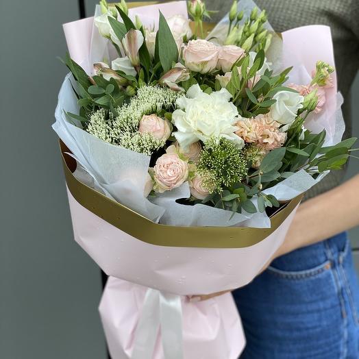 Bouquet of eustoma, matthiola, spray roses, Alstroemeria and trachelium Adelina