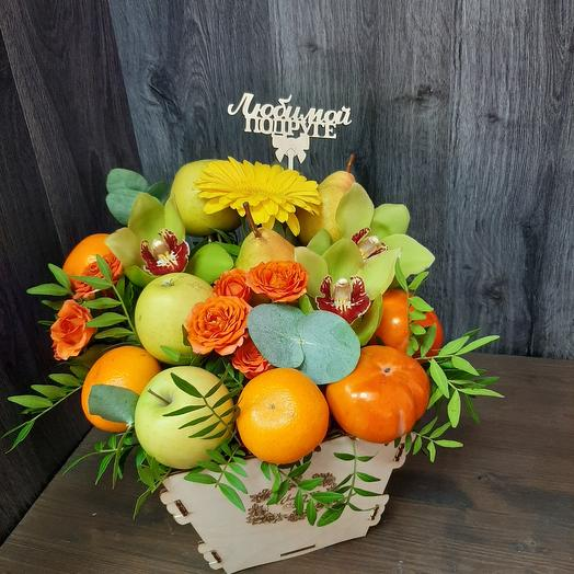 Box with fruit and flowers