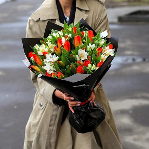 Тюльпаны и Альстромерии микс