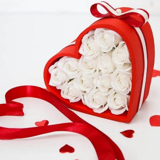 Цветы в коробке на 23 февраля