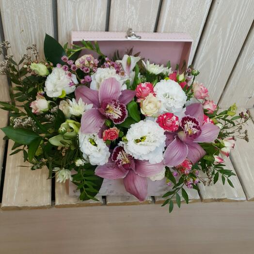"Цветы в коробке ""Шкатулка"""