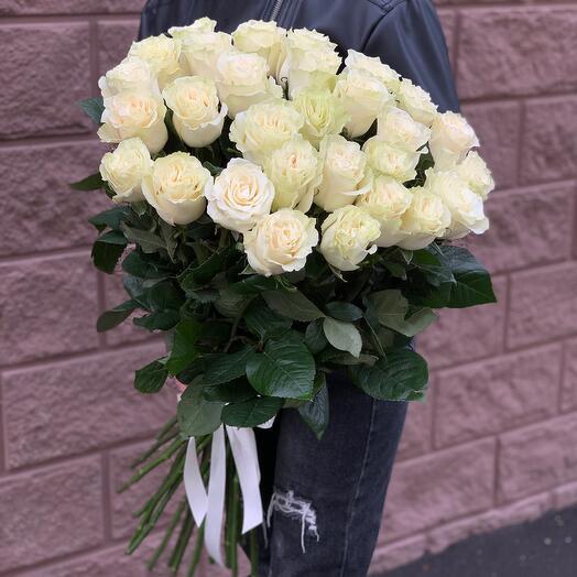 25 белых роз 80см (Эквадор)