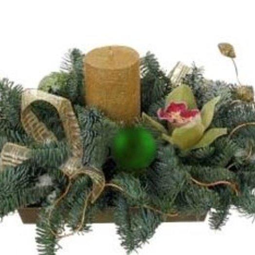 Новогодняя композиция Тихий лес: букеты цветов на заказ Flowwow