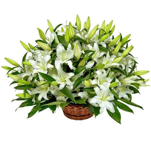 15 лилий в корзине: букеты цветов на заказ Flowwow