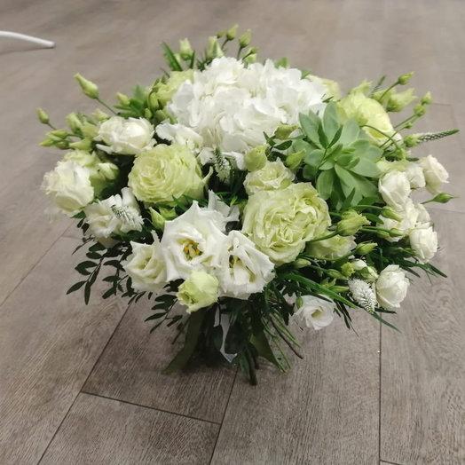 Белый шелк: букеты цветов на заказ Flowwow