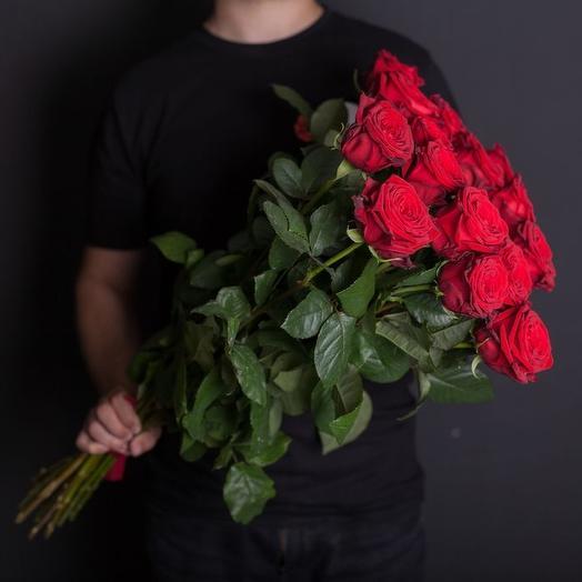15 красных роз