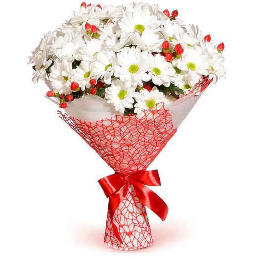 Букет из кустовых хризантем с гиперикумом: букеты цветов на заказ Flowwow