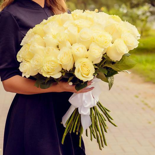 Букет из 51 белой розы (60см): букеты цветов на заказ Flowwow