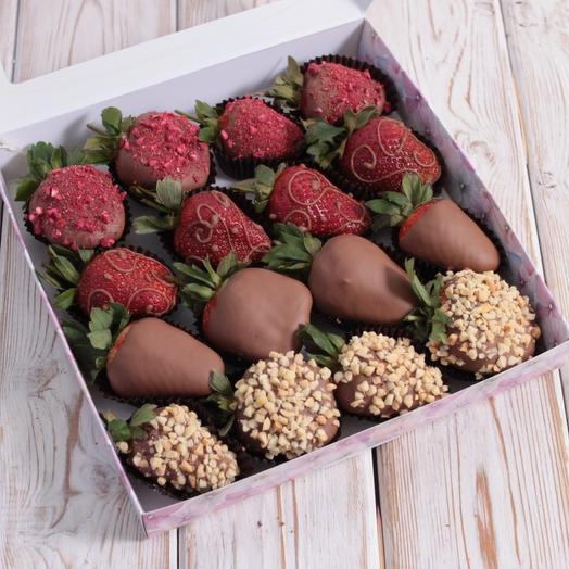 Клубника в шоколаде: букеты цветов на заказ Flowwow