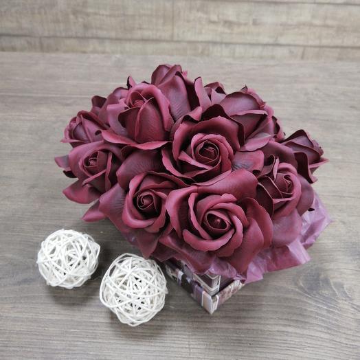 Коробочка из мыльных роз: букеты цветов на заказ Flowwow