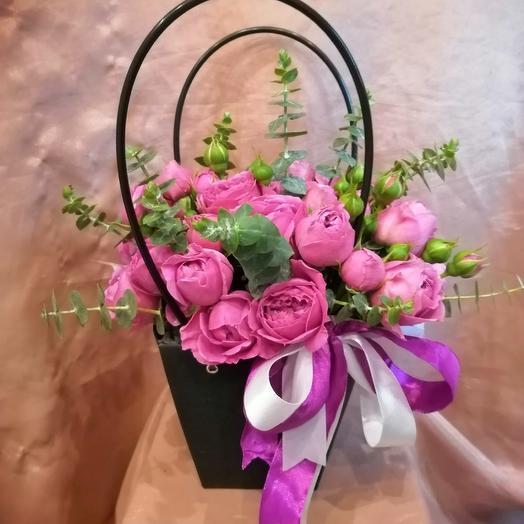 Сумочка с пионовидными розами: букеты цветов на заказ Flowwow