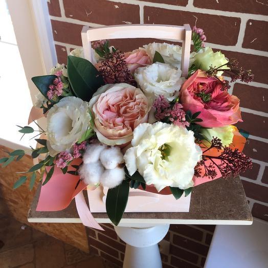 Корзинка с пионовидными розами: букеты цветов на заказ Flowwow
