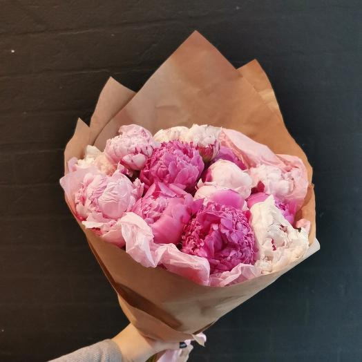 Махровые пионы: букеты цветов на заказ Flowwow