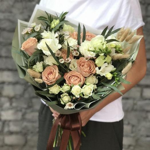 Кофейные розы и хамелациум