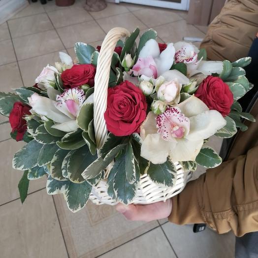 Корзина с орхидеями. Я тебя люблю: букеты цветов на заказ Flowwow
