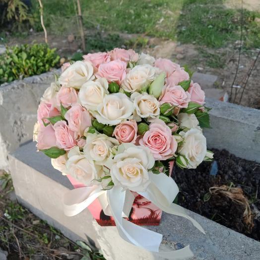 "Коробочка с розами""очаровашка"": букеты цветов на заказ Flowwow"