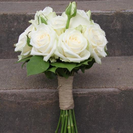 Особенный букет Белые розы 2