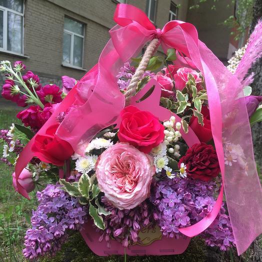 Розовое лукошко с бантом: букеты цветов на заказ Flowwow