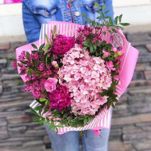 Букет цветов «Розовый фламинго»