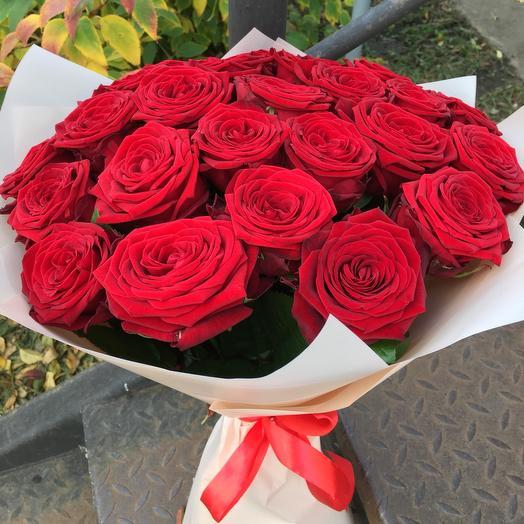 Букет из 25-и красных роз