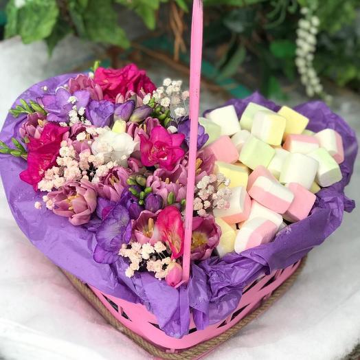 Сердце с цветами и маршмелоу