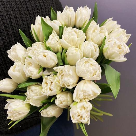Пионовидные тюльпаны охапкой