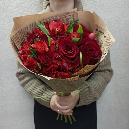 Евро-букет с розами Эквадор и альстромерией