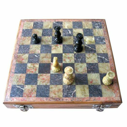 Игра Шахматы дерево, камень
