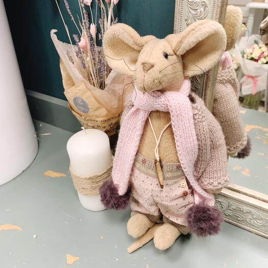 Мышь в шарфике
