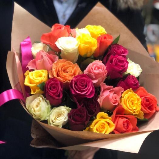 Букет разноцветных роз МИКС