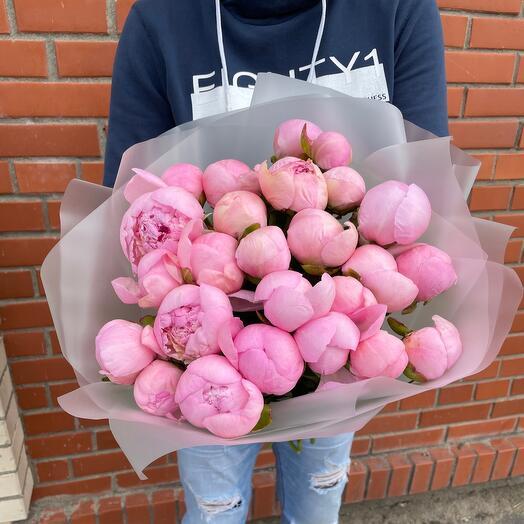 25 Розовых пионов