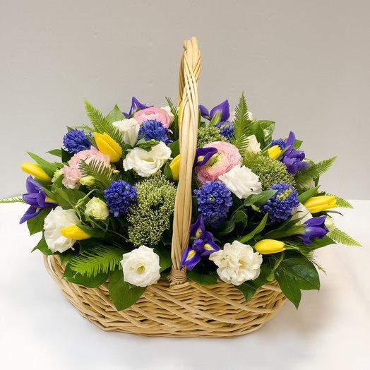 Корзина из весенних цветов Наслаждение весной: букеты цветов на заказ Flowwow