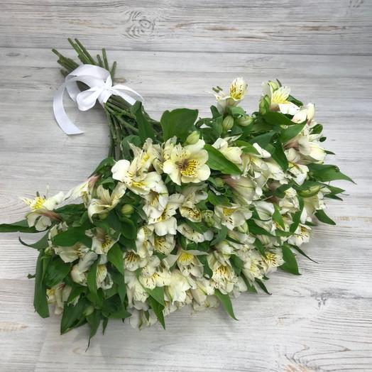 Букет из 25 белых альстромерий: букеты цветов на заказ Flowwow