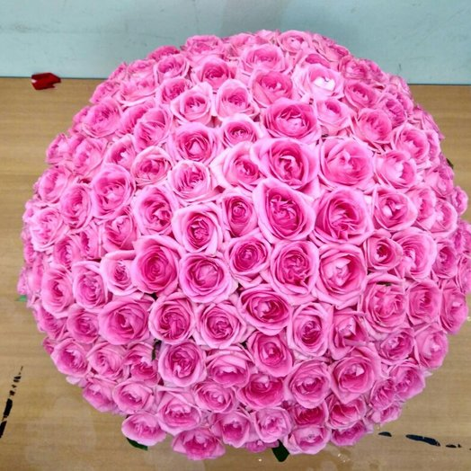 Розовая роза в корзине: букеты цветов на заказ Flowwow