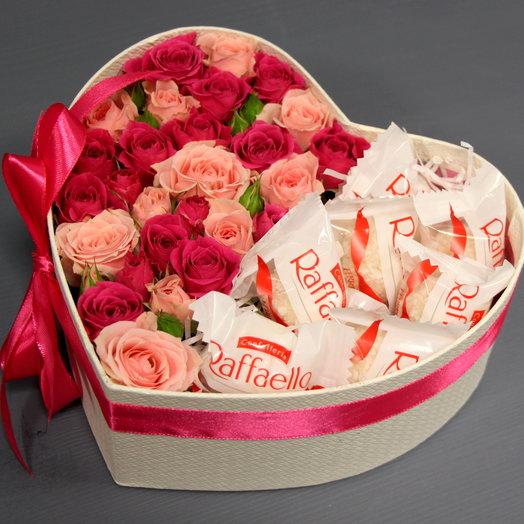 """Розы в коробке """"Сладкое сердце"""""""