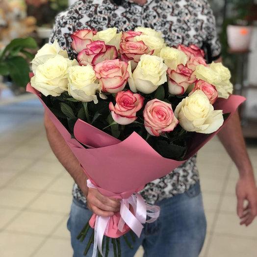 Букет из 21 разноцветной голландской розы 70 см: букеты цветов на заказ Flowwow