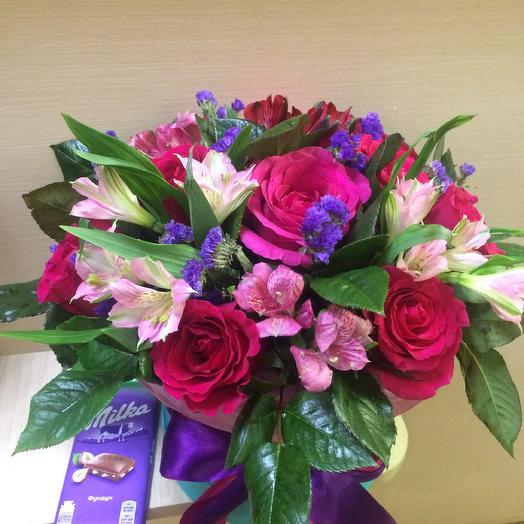 Розы в шляпной коробочке: букеты цветов на заказ Flowwow