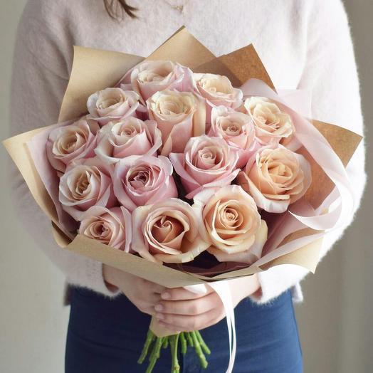 Перламутровые розы: букеты цветов на заказ Flowwow