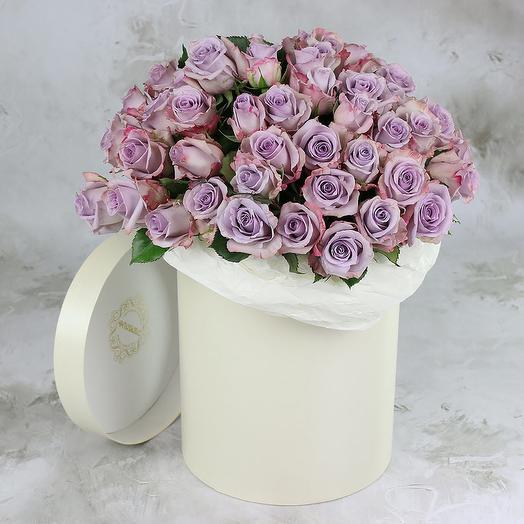 51 СИРЕНЕВАЯ РОЗА В ШЛЯПНОЙ КОРОБКЕ: букеты цветов на заказ Flowwow