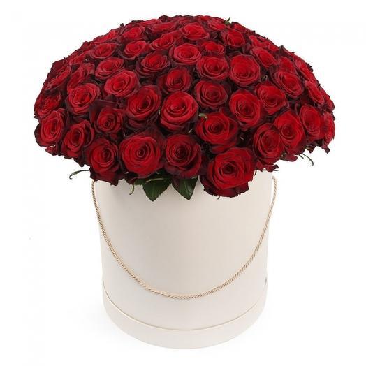 55 роз в шляпной коробке: букеты цветов на заказ Flowwow