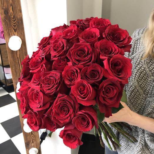 Букет из 43 алых роз: букеты цветов на заказ Flowwow