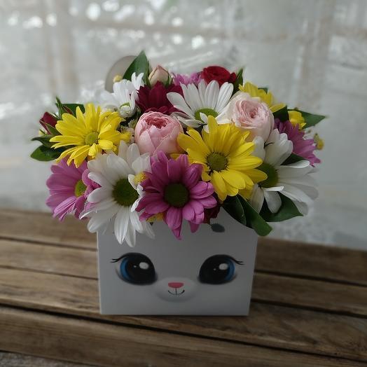 Коробочка с цветами микс
