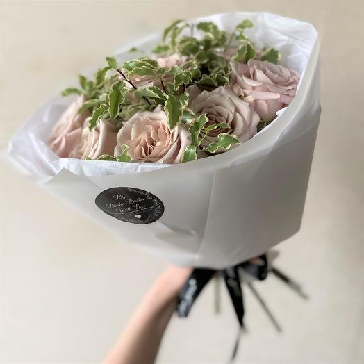 Роза Мента 9 шт с зеленью/эвкалиптом