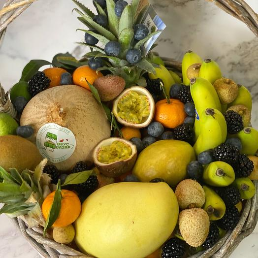 Тайская корзина с фруктами