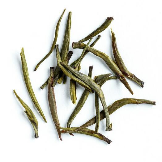 """Жёлтый чай """"Цзюнь Шань Инь Чжень"""" (серебряные пики с острова Цзюнь Шань) 50 гр"""